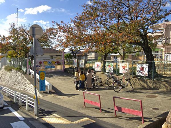 越木岩幼稚園600×450px